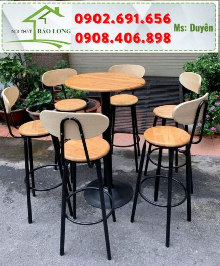Bộ bàn ghế bar cafe gỗ chân sắt sơn tĩnh điện1