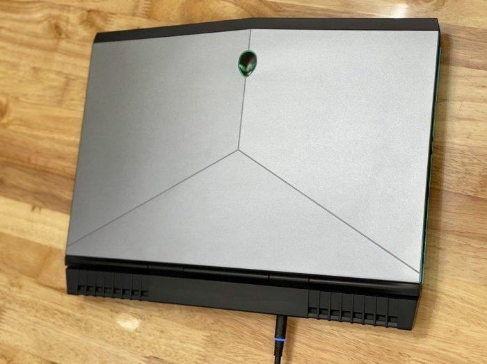Laptop Dell Alenware 15R3 core i7 6700HQ Ram 16gb ssd 256gb hdd 1tb 15.6 inch Full HD Gtx 1070 CHUYÊN GAME GIÁ RẺ BÈO0