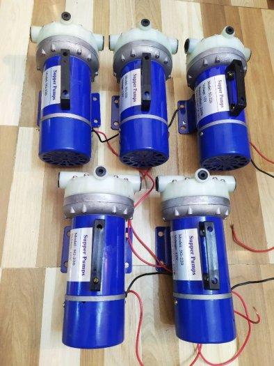 Máy bơm áp lực 12v công suất 220w1