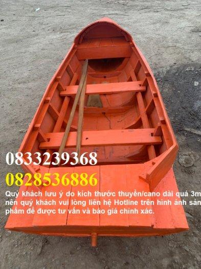 Thuyền gỗ dáng cano, trưng bày, chụp ảnh trên hồ4