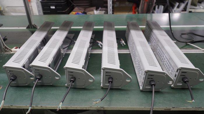 Đèn led nhà xưởng highbay Linear 150w siêu tiết kiệm điện0
