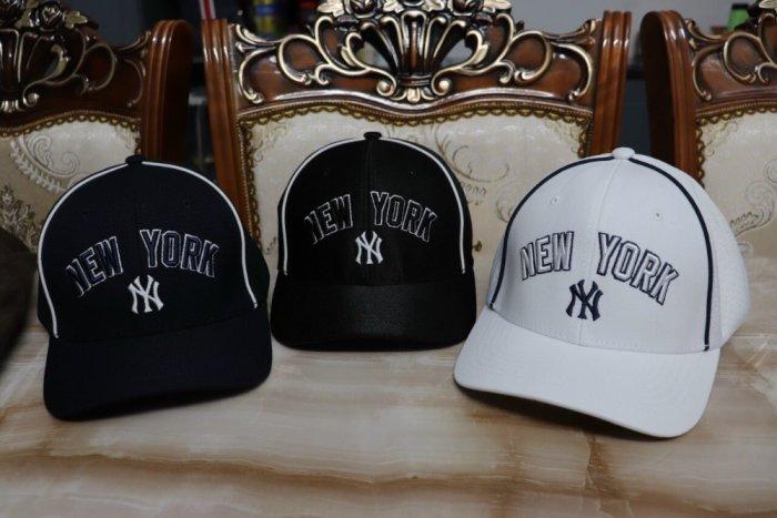 Nón kết nam nữ thời trang cao cấp New York trắng đen1