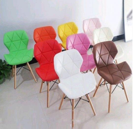 Ghế nệm da tam giác chân gỗ màu hồng phấn0