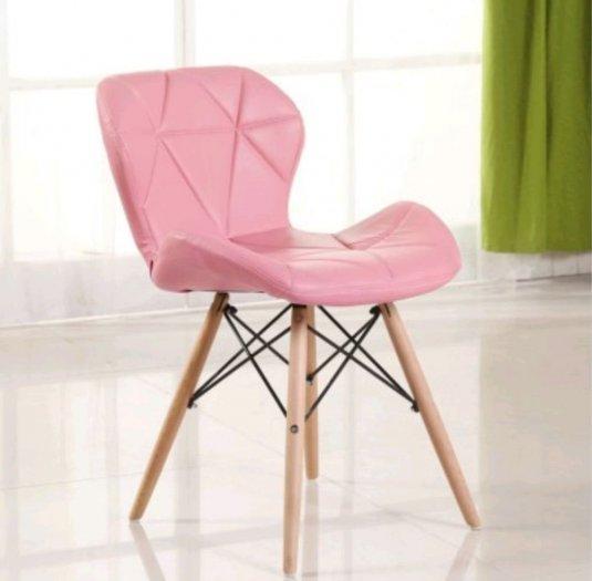 Ghế nệm da tam giác chân gỗ màu hồng phấn3