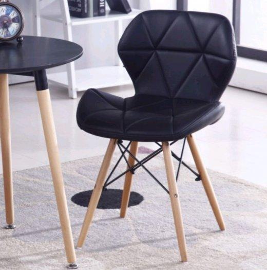 Ghế da tam giác chân gỗ màu đen huyền bí5