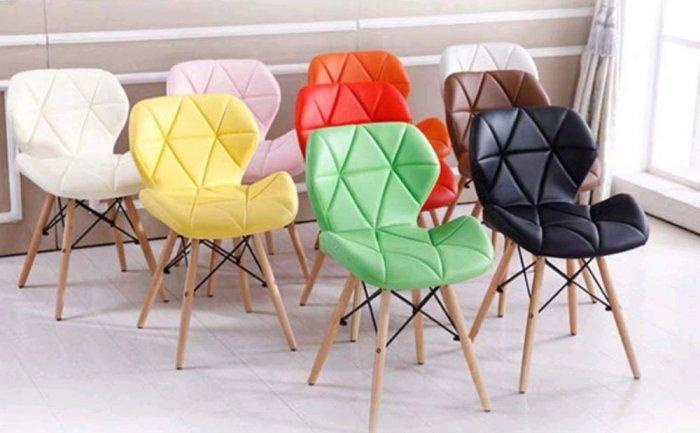 Ghế da tam giác chân gỗ, ghế nệm da màu đỏ3