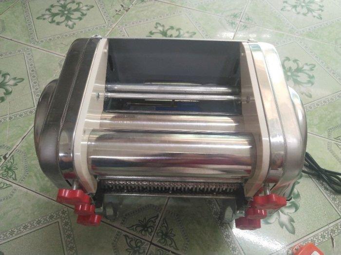 Máy cán bột, máy cán và cắt sợi mì1
