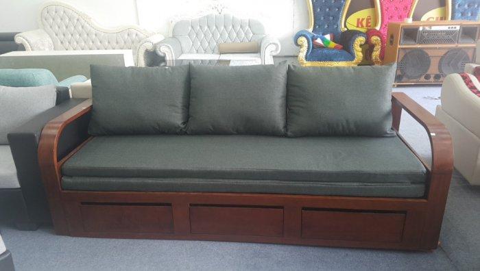 Sofa giường gỗ kéo sang trọng cho phòng khách tại Dĩ An, Bình Dương1