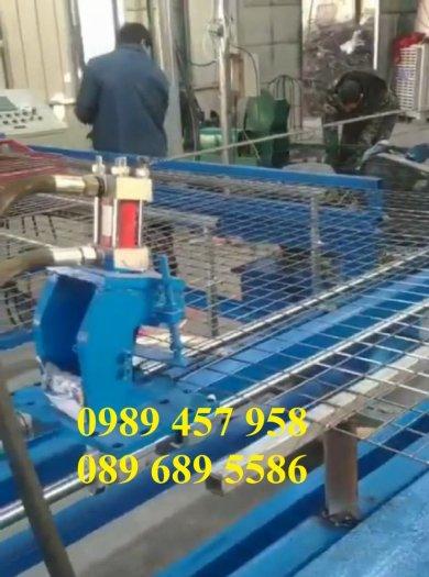 Lưới thép hàn có sẵn phi 4 - Lưới thép đổ sàn bê tông - Lưới thép hàng rào có sẵn0