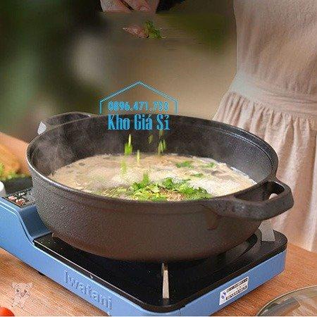 Bán nồi gang đen đúc nguyên khối nấu lẩu cho nhà hàng kiểu Nhật - Nồi gang đen nắp đậy bằng gỗ nấu cơm cháy truyền thống31