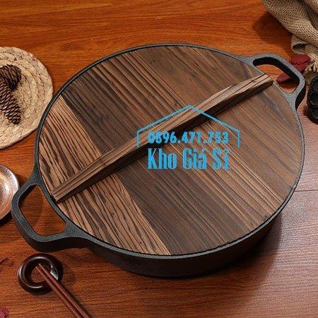 Bán nồi gang đen đúc nguyên khối nấu lẩu cho nhà hàng kiểu Nhật - Nồi gang đen nắp đậy bằng gỗ nấu cơm cháy truyền thống18