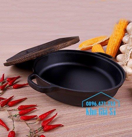 Bán nồi gang đen đúc nguyên khối nấu lẩu cho nhà hàng kiểu Nhật - Nồi gang đen nắp đậy bằng gỗ nấu cơm cháy truyền thống16