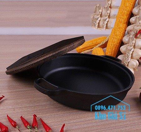 Bán nồi gang đen đúc nguyên khối nấu lẩu cho nhà hàng kiểu Nhật - Nồi gang đen nắp đậy bằng gỗ nấu cơm cháy truyền thống15