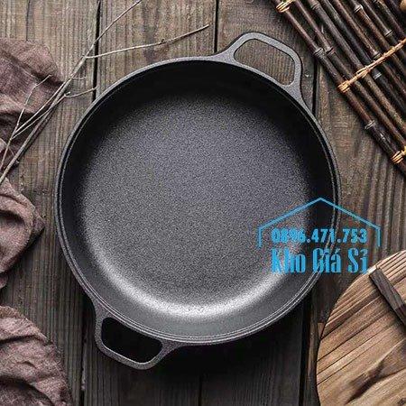 Chuyên cung cấp nồi gang đen đúc nguyên khối, nồi gang đen nấu lẩu cho nhà hàng, nồi gang đen cao cấp nhập khẩu nắp gỗ54