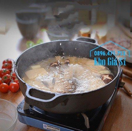 Chuyên cung cấp nồi gang đen đúc nguyên khối, nồi gang đen nấu lẩu cho nhà hàng, nồi gang đen cao cấp nhập khẩu nắp gỗ12