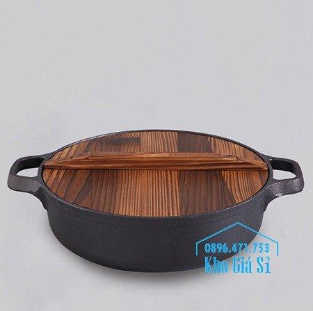 Chuyên cung cấp nồi gang đen đúc nguyên khối, nồi gang đen nấu lẩu cho nhà hàng, nồi gang đen cao cấp nhập khẩu nắp gỗ9