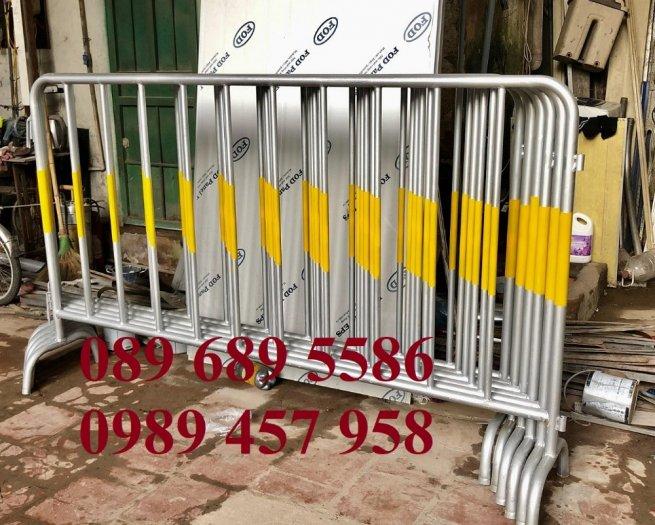 Hàng rào di động sơn phản quang, hàng rào inox304, Hàng rào sơn mầu xanh2