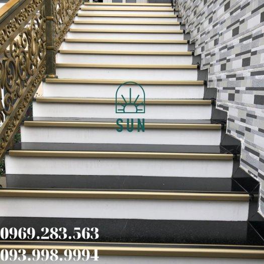Nẹp chống trơn bậc cầu thang chữ L - Nẹp chống trơn bậc cầu thang hợp kim nhôm cao cấp.4