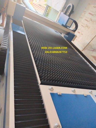Máy laser fiber cnc cắt kim loại công nghiệp YH-30154