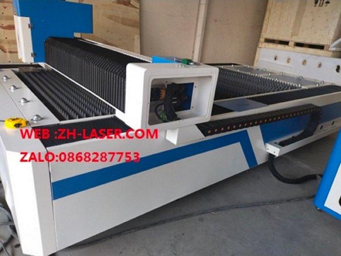 Máy laser fiber cnc cắt kim loại công nghiệp YH-30150