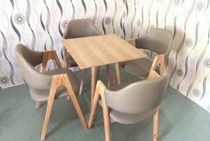 Bàn  ghế chử a  có đủ màu sắc giá sì tại xưởng sản xuất anh khoa 234560