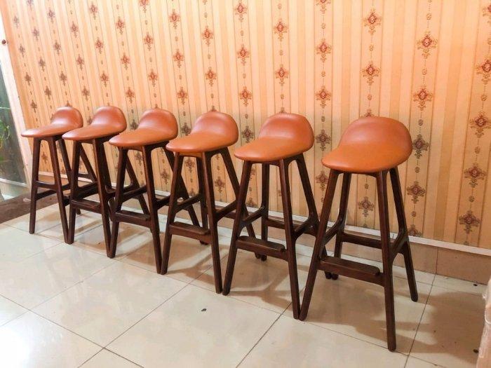 Ghế bar gỗ nệm sơn màu0