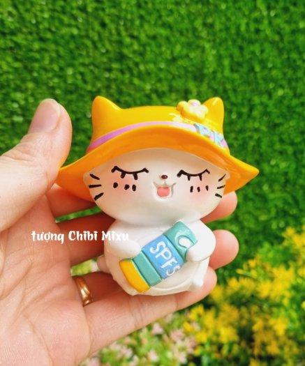 Tượng mô hình chú Mèo trắng tắm nắng cực đáng yêu9
