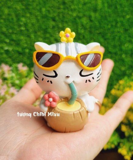 Tượng mô hình chú Mèo trắng tắm nắng cực đáng yêu3