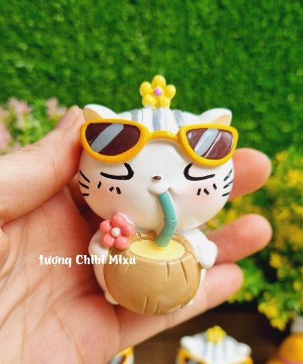 Tượng mô hình chú Mèo trắng tắm nắng cực đáng yêu2
