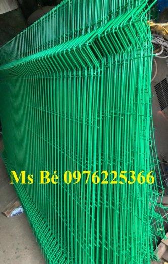 Chuyên sản xuất lưới hàng rào phi 4, phi 5, phi 6 theo yêu cầu7