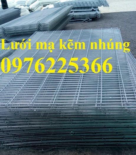 Chuyên sản xuất lưới hàng rào phi 4, phi 5, phi 6 theo yêu cầu3