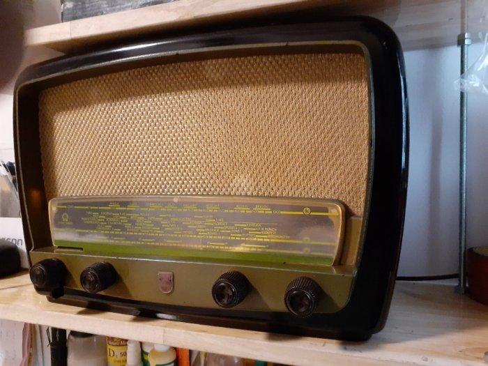 Đài  điện tử  Philips của Anh8