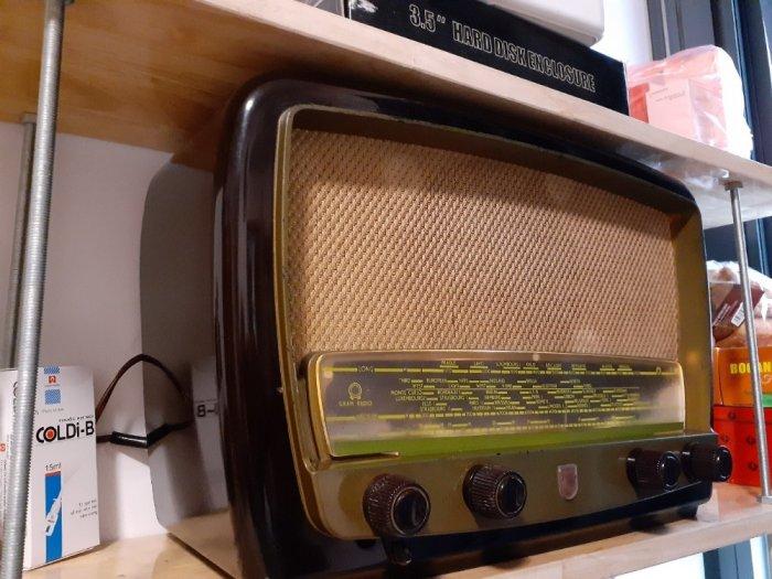 Đài  điện tử  Philips của Anh6