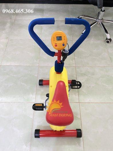 Máy tập xe đạp trẻ em2