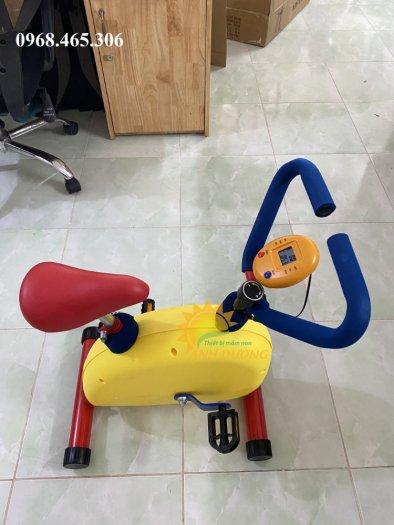 Máy tập xe đạp trẻ em1