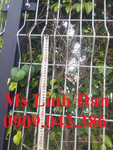Hàng rào lưới thép chấn sóng sơn tĩnh điện1