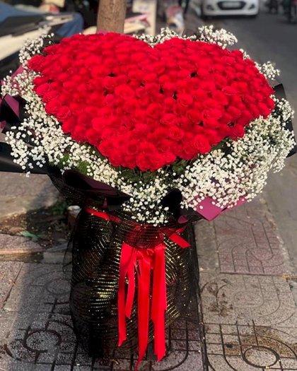 Bó hoa hồng hình trái tim khổng lồ - LDNK1230