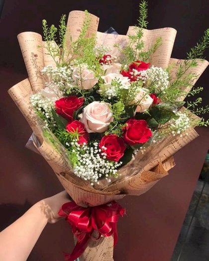 Bó hoa hồng đỏ mix hoa hồng kem - LDNK1410