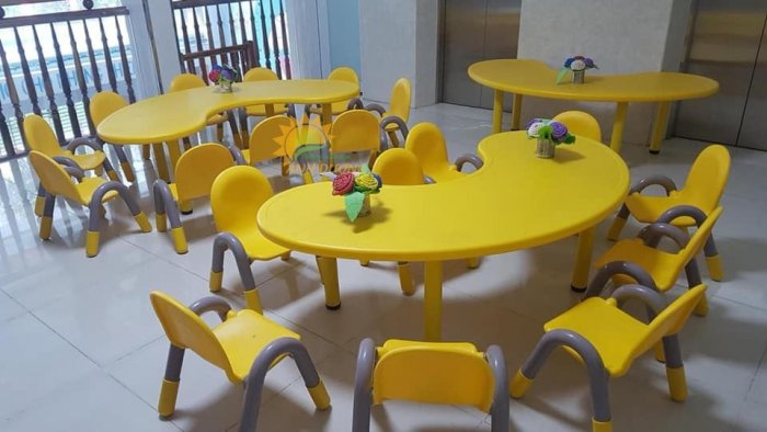 Bàn và ghế nhựa nhập khẩu cho trường mầm non, lớp mẫu giáo, nhóm trẻ, gia đình9