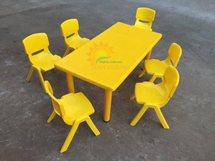 Bàn và ghế nhựa nhập khẩu cho trường mầm non, lớp mẫu giáo, nhóm trẻ, gia đình6