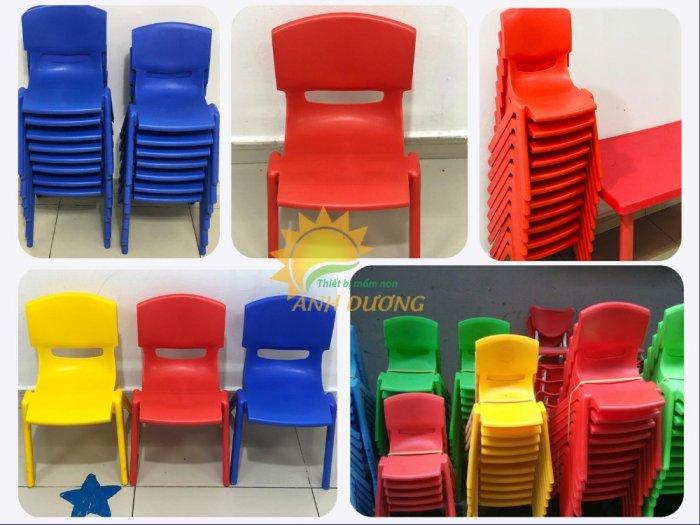 Bàn và ghế nhựa nhập khẩu cho trường mầm non, lớp mẫu giáo, nhóm trẻ, gia đình3