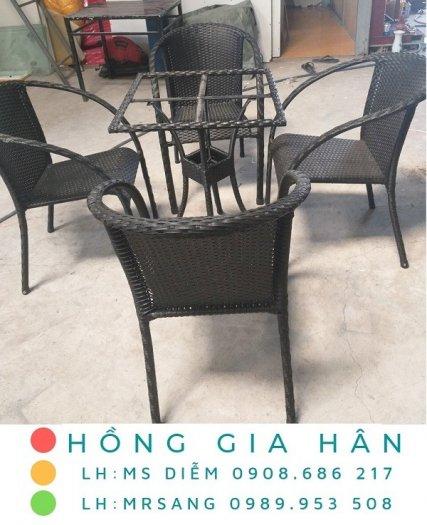 Bàn ghế cafe mây nhựa Hồng Gia Hân M0060