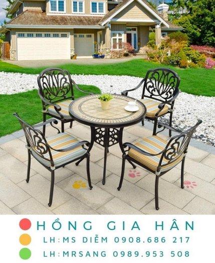 Bàn ghế kiểu sân vườn hiện đại Hồng Gia Hân N0400