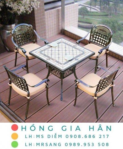 Bàn ghế kiểu sân vườn hiện đại Hồng Gia Hân N0410