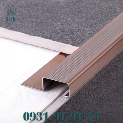 Nẹp mũi bậc cầu thang bằng inox 304 - Nẹp mũi bậc cầu thang - Nẹp kết thúc bậc cầu thang bằng inox0