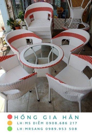Bàn ghế nhựa giả mây Hồng Gia Hân M380