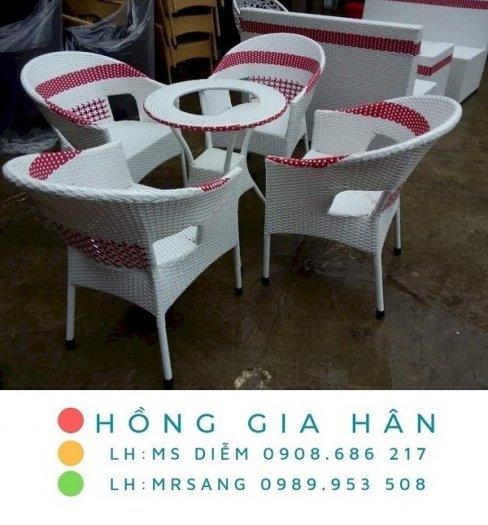Bàn ghế nhựa giả mây Hồng Gia Hân M0390
