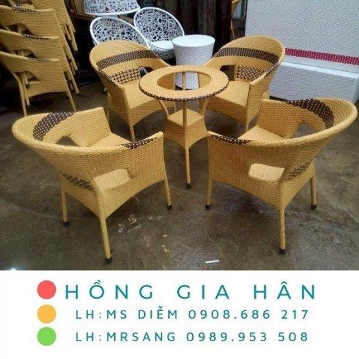 Bàn ghế nhựa giả mây Hồng Gia Hân M0400