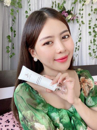 Sữa Rửa Mặt Trắng Da Ngừa Mụn KN Beauty Hydrating Cleansing Milk 100g1