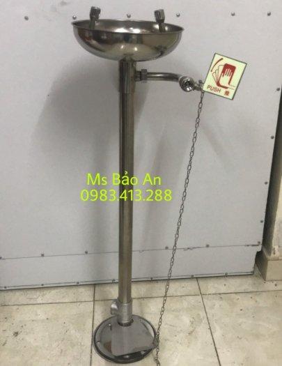 Máy rửa mắt khẩn cấp cố định loại đứng chân đạp3